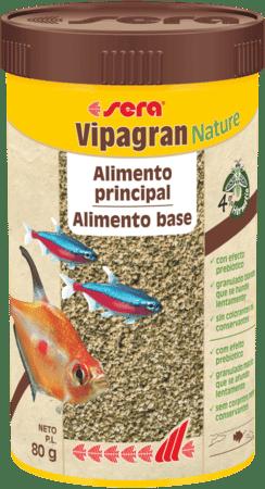 Alimento principal en forma de granulado blando con un 4% de harina de insectos