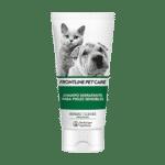 Higiene y cuidado para tu mascota El Champú hidratante para pieles sensibles está formulado para perros y gatos con piel seca o irritada. Contiene Ramnosa de base polisacárida para suavizar e hidratar la piel. La Luminescina añade protección antioxidante y aporta un brillo natural al pelo.