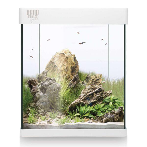 Nano acuario con un diseño exquisito y una calidad excepcional. El exclusivo NANO AQUALED Crystal posee un diseño único en el mercado e incorpora LEDs SAMSUNG. Además, en este kit incorporamos todo lo que necesita para comenzar. KIT BASE incluye*: filtro interior, pantalla integrada, lámpara LED, alimento para peces, acondicionadores y guía del acuario.