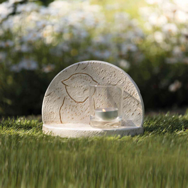 Piedra Conmemorativa con Silueta de Gato